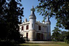 extérieur Château de Ricaud, Côtes de Bordeaux Cadillac, Vignobles Dourthe, www.dourthe.com