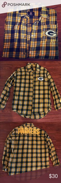 NFL Green Bay Packers Plaid Button Up Barely worn women's official NFL Green Bay Packers plaid button NFL Tops