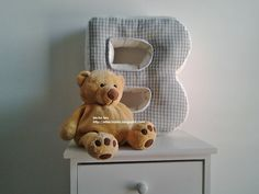 """""""B"""" is for bear - cuscino a forma di lettera http://elbichofeo.blogspot.com https://it-it.facebook.com/pages/Bicho-feo/382736388432736"""