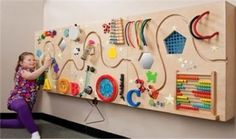 ideas for baby activities sensory playrooms Sensory Wall, Sensory Boards, Baby Sensory, Sensory Toys, Ecole Design, Kids Cafe, Busy Board, Kids Corner, Baby Play