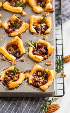 If you love easy, make ahead appetizers, these baked Brie Bites are perfect for you! The cranberry sauce, Brie cheese, and puff pastry make a DELISH combination! Puff Pastry Appetizers, Cheese Appetizers, Appetizer Recipes, Baked Brie Puff Pastry, Brie Cheese Recipes, Baked Brie Appetizer, Fish Recipes, Brunch Recipes, Yummy Recipes