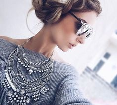 Join me to win the Glamorous Over The Top Statement Necklace from Happiness Boutique!