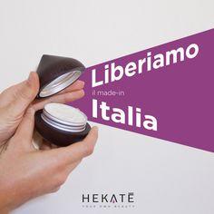 @hekatecosmetics festeggia l'Italia e il madeinitaly. Buona festa della liberazione a tutti!  #hekatè #hekatecosmetics #italia #italy #festadellaliberazione #25aprile #anniversary #madeinitalia #madeinitaly #cosmetics #skincare #personalized