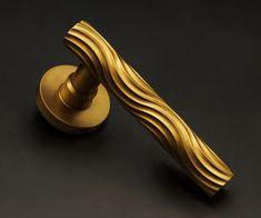 The Beardmore Collection: Luxury Brass Architectural Ironmongery Wood Resin Table, Hardware Jewelry, Beautiful Home Designs, Door Pull Handles, Furniture Handles, Unique Doors, Door Levers, Bathroom Doors, Steel Doors
