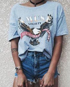 Queremos partilhar o nosso catálogo de ideias, consigo. Veja aqui as inspirações para 2017 do Grupo SLYou. #GrupoSLYou #2017 #fashiontips #fashion #itgirls #streetfashion