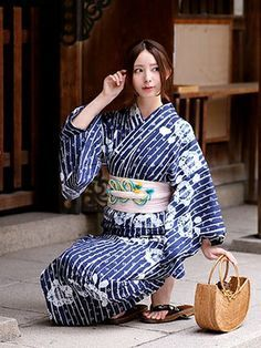 utataneさんの着物・浴衣「utatane utatane 有松絞り浴衣3点セット 藍色縞小花」を使ったコーディネート