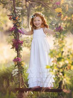 Awwwwww, ¿no sería una lil!Cosette adorable? De su etapa buena, cuando ya la ha adoptado Valjean.