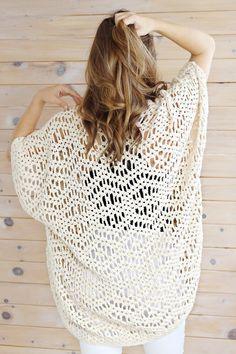 Gilet Crochet, Crochet Cardigan Pattern, Crochet Jacket, Crochet Scarves, Crochet Clothes, Crochet Stitches, Knit Crochet, Crochet Sweaters, Diy Crochet Top Pattern