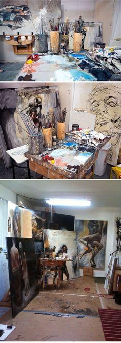 Иногда очень интересно прогуляться по чужим мастерским, заглянуть одним глазком на чью-то творческую кухню. А там, может быть, и свое вдохновение не заставит ждать. Надеюсь, моя подборка фотографий художников за работой и их творческих мастерских и вам принесет вдохновение.