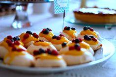 As Minhas Receitas: Mini-Pavlovas com Curd de Limão e Framboesas