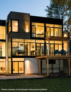 Ottawa River House von Christopher Simmonds Architect in Kanada Ottawa River, Riverside House, Casas Containers, Contemporary Style Homes, Modern Homes, Contemporary Windows, Contemporary Cottage, Modern Mansion, River House