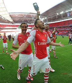 Arsenal 3 Manchester City 0 - The lads celebrate.