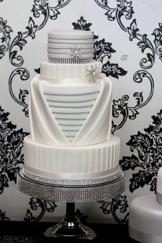 Art Deco Wedding Cake inspired by Charm City Cakes