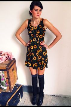 sunflower dress. I'm pinning this because I'm pretty sure I had the exact same one in elementary school!