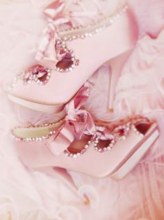 ❥ pink ribboned shoes