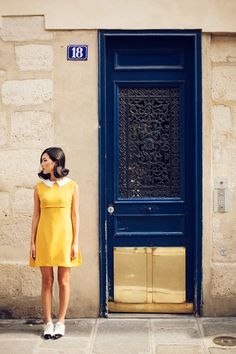 Yellow dress with white color. Blk/wht shoes
