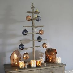 This fun alternative style Christmas Tree is made from wood and is perfect as a table top decoration or as a smaller tree for a bedroom.The simplistic look will bring a modern style to your home this Christmas, whilst also sticking to the more rustic warmer tones for the festive season.
