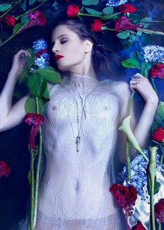 Bec Downes by Fiona Quinn for Lone Wolf Magazine Fashion Art, Fashion Beauty, Fairytale Fashion, Lone Wolf, Life Is Beautiful, Rose, Erotica, Photography, Magazine