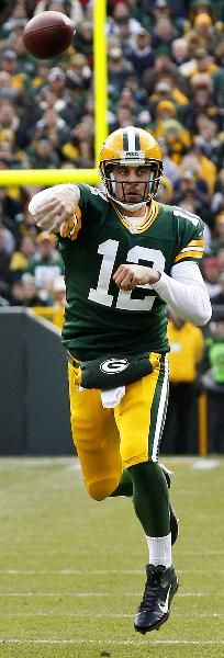Aaron Rodgers: In my opinion, Rodgers is one of the NFL's greatest quarterbacks. Aaron is a destined NFL Hall of Famer. Packers Baby, Go Packers, Green Bay Packers Fans, Packers Football, Nfl Green Bay, Packers Gear, Football And Basketball, Football Players, Baseball