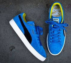 The latest release of the Puma Suede is making the rounds in a combination of palace blue and black with a yellow leather inner lining. Track down the kick Pumas Shoes, Vans Sneakers, Sneakers Fashion, Sneaker Magazine, Puma Suede, Dream Closets, Yellow Leather, Reebok, Casual Shoes
