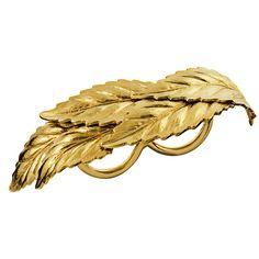 La inspiración de las piezas del desfile de Aristocrazy ❤ liked on Polyvore featuring jewelry and rings