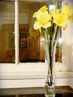 Paper Pendulum: Coffee Filter Daffodils