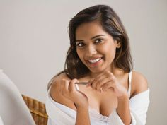 """A manicure? It's possible with our """",Wow, I never knew that"""", tricks. Use them to get the longest-lasting mani of your life. Manicure At Home, Manicure Tools, Manicure And Pedicure, Beauty Secrets, Beauty Hacks, Beauty Tips, Long Lasting Nail Polish, Creative Nail Designs, Girly Things"""