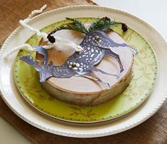 So cute! Make your own woodland animals with moveable limbs to decorate place settings, packages and more. Details: http://www.midwestliving.com/holidays/christmas/6-ways-to-craft-a-merry-little-christmas/?page=4