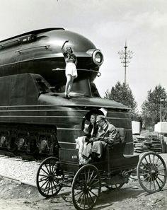 Blast von der Vergangenheit in die Moderne Art Quotidien, Pennsylvania Railroad, Old Trains, Vintage Trains, Train Art, Train Engines, Steam Locomotive, Train Tracks, Poster Vintage