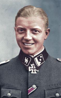Rare colored picture of : Fritz Klingenberg from : https://www.pinterest.com/nleforestier/wwii-wehrmacht-waffen-%CF%9F%CF%9F-luftwaffe-kriegsmarine-pr/