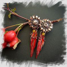 Kolczyki Słoneczniki i Czerwone Listki Jewerly, Brooch, Fashion, Moda, Jewlery, Fashion Styles, Schmuck, Brooches, Jewelry
