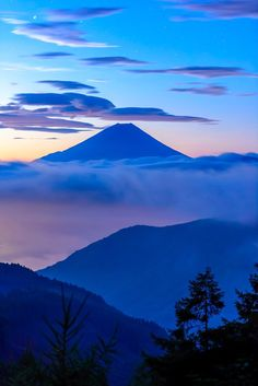 Fuji (World Heritage) by Takashi Beautiful World, Beautiful Images, Mount Fuji Japan, Day Trips From Tokyo, Fuji Mountain, Japanese Nature, Japon Tokyo, Art Japonais, Mountain Landscape