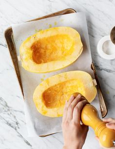 Learn how to cook spaghetti squash with this simple guide! Serve it as an easy veggie side, or incoLearn how to cook spaghetti squash with this simple guide! Serve it as an easy veggie side, or incorporate it into healthy main dishes all winter long. Spaghetti Squash Recipes, Vegetarian Spaghetti, Vegetarian Food, Gourmet Recipes, Cooking Recipes, Healthy Recipes, Keto Recipes, Easy Recipes, Food Cakes