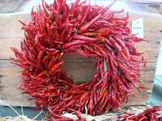Chile Peppers 50 Unexpected Wreaths You Can Make Out Of Anything Cowboy Christmas, Mini Christmas Tree, Xmas Tree, Holiday Wreaths, Christmas Decorations, Holiday Decor, Christmas Crafts, Diy Wreath, Door Wreaths