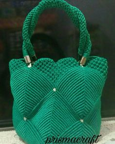 For most ladies, buying a genuine designer handbag isn't something to rush straight into. Because these hand bags can easily be so pricey, most women usually worry over their decisions before making an actual handbag acquisition. (Re:Girls Doctor's bag. Crochet Clutch Bags, Crochet Shoes, Crochet Handbags, Crochet Purses, Diy Drawstring Purse, Striped Shoulder Bags, Macrame Purse, Macrame Design, Micro Macrame