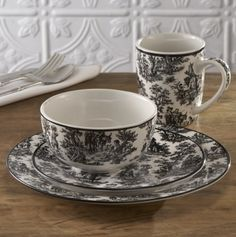 Toile print tea set