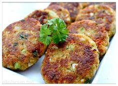 Elins hjemmelagde grønnsaksburger- helse og nytelse i hver bit! Shellfish Recipes, Vegan Dinners, Salmon Recipes, Vegetable Dishes, Popular Recipes, Food Inspiration, Vegetarian Recipes, Food Porn, Food And Drink
