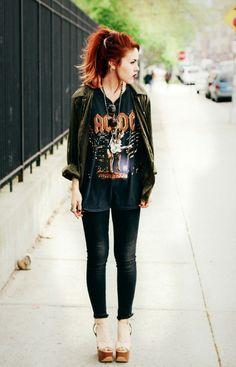 tenue swag femme t-shirt AC/DC et le rock de tous les temps