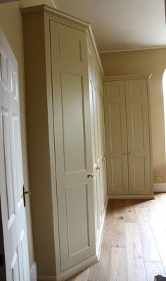 Fitted wardrobes, bookcases, shelving, floating shelves, London bookshelves, custom made TV cupboards and cabinets, bespoke mdf furniture made to measure in London. Fitted wardrobe company