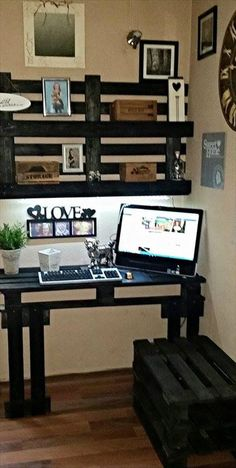 DIY #Pallet Computer #Desk with Wall #Shelf | 101 Pallet Ideas - whether it is your home office or work place, pallets can cleverly be modified to give most relevant furniture just like this!