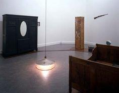 Joseph Beuys, Voglio vedere le mie montagne (1971). De Hallen Haarlem (2012-2013). #dehallenhaarlem #installation #josephbeuys #art #copper #light