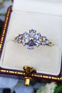 Princess Cut Yellow Gold Black Diamond Engagement Rings for Women 1 Carat tw (Ring Size – Fine Jewelry & Collectibles Popular Engagement Rings, Floral Engagement Ring, Unique Diamond Engagement Rings, Beautiful Engagement Rings, Designer Engagement Rings, Vintage Engagement Rings, Diamond Wedding Bands, Wedding Rings, Beautiful Rings