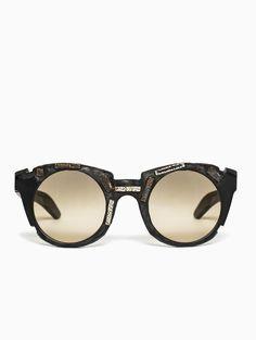 Bronze insert sunglasses from Kuboraum collection.