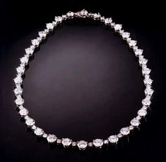 Google Image Result for http://www.jewelryexpert.com/catalog/graphics/necklace1.gif
