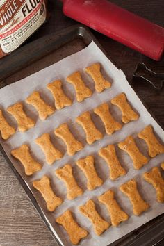 These pumpkin dog treats are simple to make and full of wholesome ingredients. Dog Treat Recipes, Healthy Dog Treats, Dog Food Recipes, Pet Treats, Vegan Recipes, Healthy Eats, Homemade Dog Cookies, Homemade Dog Food, Dog Training Treats