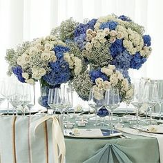 Blue Wedding Centerpieces | emmaloubella