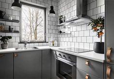 """4,992 Likes, 26 Comments - Scandinavian Homes (@scandinavianhomes) on Instagram: """"Visning imorgon!  Sockenvägen 385 2 rok, 41 kvm  Styling @scandinavianhomes  Foto @kronfoto…"""""""
