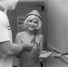 I Blondie della ex-coniglietta di Playboy Debbie Harry sono uno dei frutti della new wave newyorkese di metà anni 70.