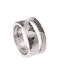 40 Unique  Unusual Wedding Rings for Him  Her ... 928 └▶ └▶ http://www.pouted.com/?p=32655