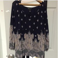 Cute top! Like new. Great condition! Tops